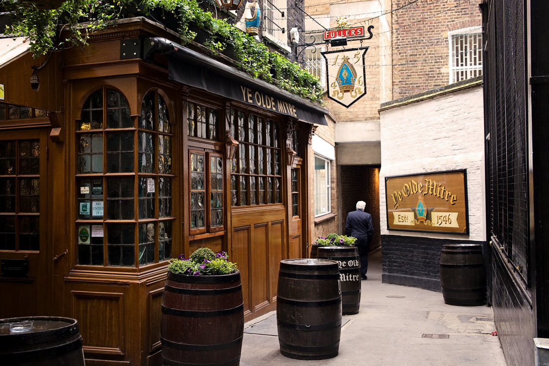Ye Old Mitre pub