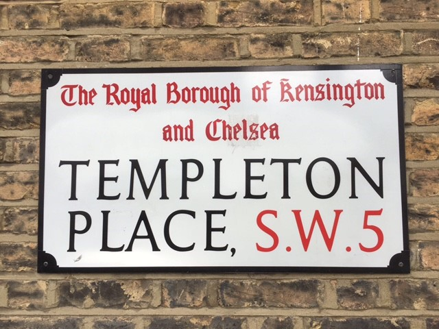 Templeton Place street sign