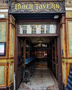 bar_pub_history_walk_tour_london_drinking_travel_supercity_aparthotels_punch_tavern