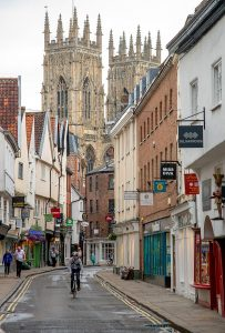 york_minster_cathedral_explore_london_life_supercity_aparthotels_apartment_hotel