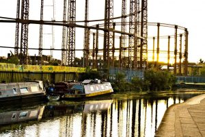 supercity_aparthotels_london_explore_hotel_travel_water_canals_sunset_rigs