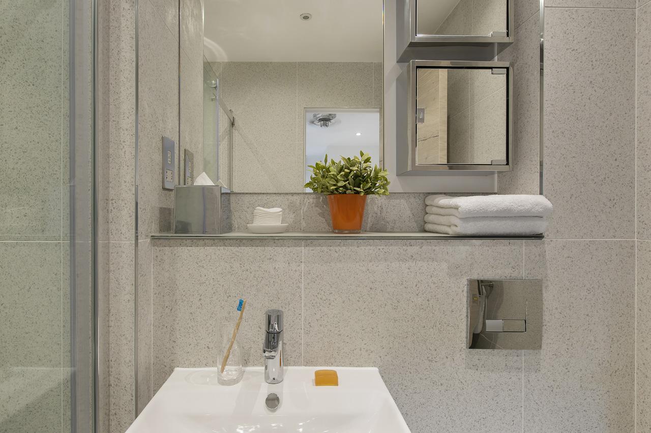 clean hotel accommodation coronavirus london